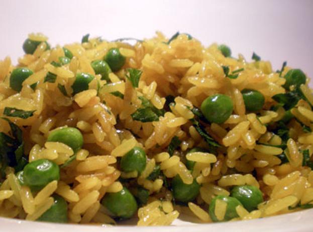 arroz-com-ervilhas-e-acafrao